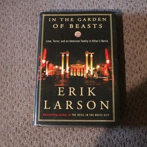 Erik Larson In the Garden of Beasts Book